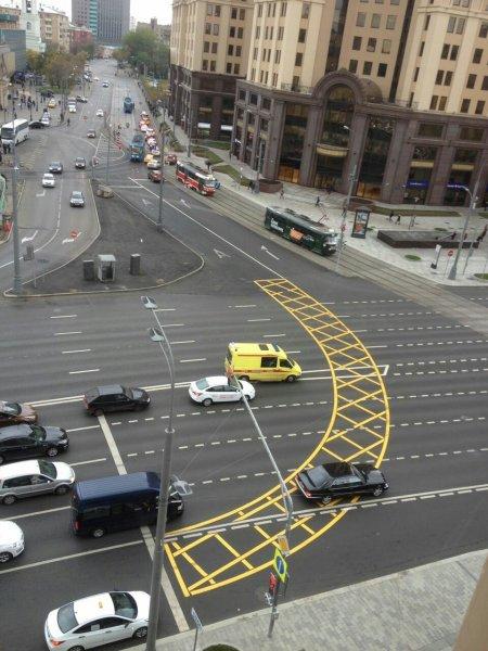 Ростовчане в соцсетях высмеяли испугавшегося «вафли» водителя