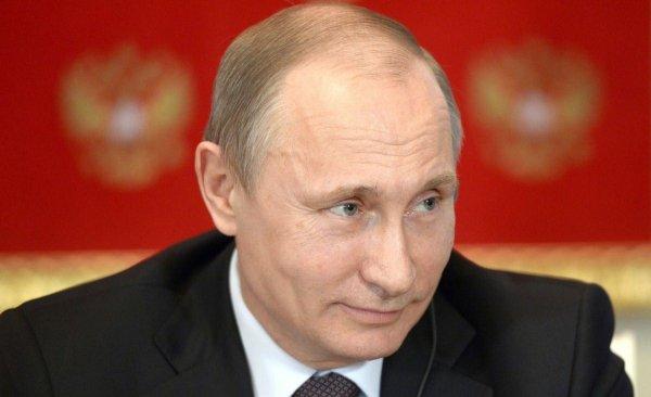 Школьница из Челябинской области получила автограф от Путина