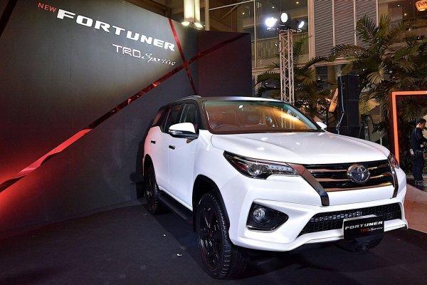 Toyota показала особую версию внедорожника Toyota Fortuner с обвесом от TRD?