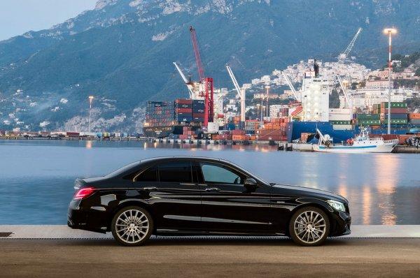 Россияне потратили на автомобили премиум-класса 281 млрд рублей