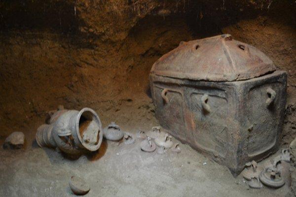 На Крите раскопали гробницу возрастом более 3 тысяч лет