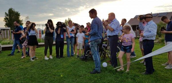 Участников «HANDI FLY International Challenge — 2018» учат собирать дроны и управлять ими