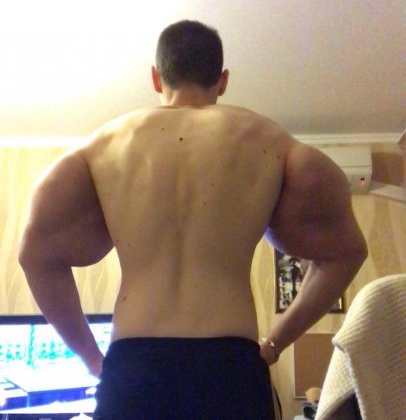 Кирилл Терешин продолжает трансформировать свои «Руки-базуки»