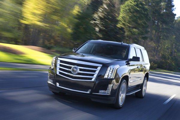 Внедорожник Cadillac Escalade нового поколения может получить три мотора