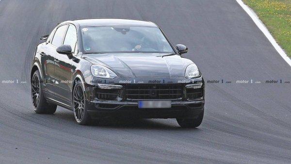 Porsche Cayenne засветился на тестах с необычным задним крылом