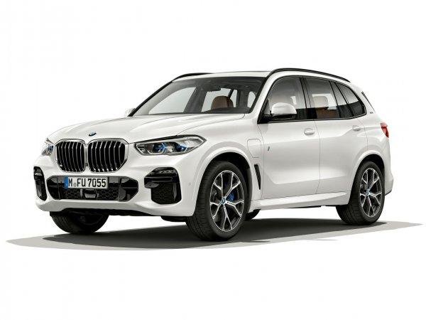 Новый гибрид BMW X5 xDrive45e может проехать 80 км на электротяге