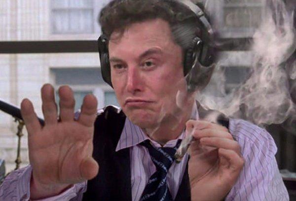 Веселого Маска с марихуаной превратили в интернет-мемы