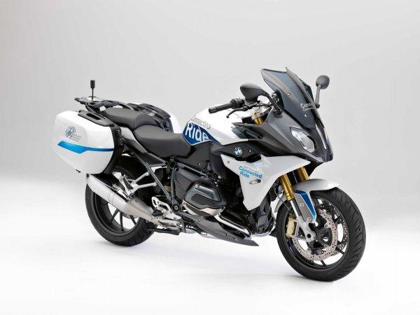 BMW показала свой беспилотный мотоцикл ConnectedRide