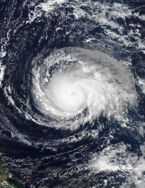 Ученые возложили вину за появление урагана «Флоренс» на людей