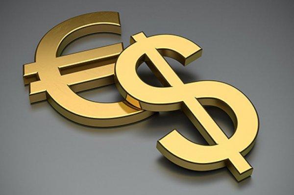 Центробанк: Спрос на валюту в России упал