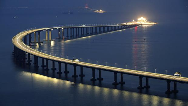 Открыли самый длинный вмире морской мост