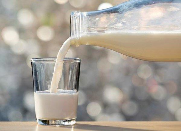 Ученые: Молоко не может облегчить симптомы простуды и гриппа