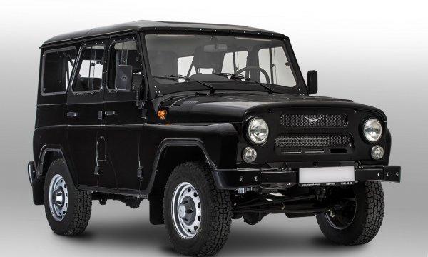 «Хлам за 700 тысяч»: Разваливающийся УАЗ «Хантер» в автосалоне шокировал блогера