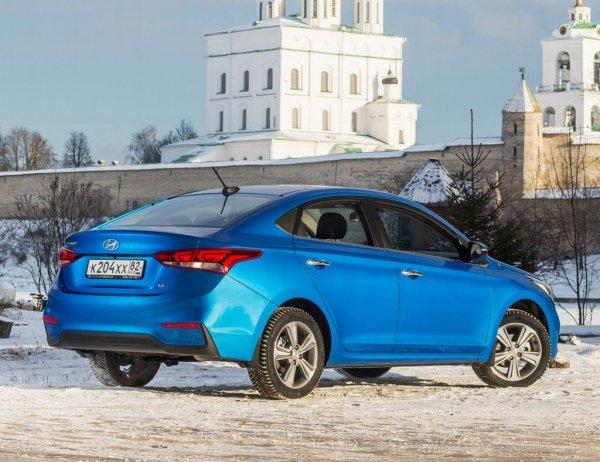 «А почему владелец грустный?»: «Обречённый» обзор Hyundai Solaris высмеяли в сети