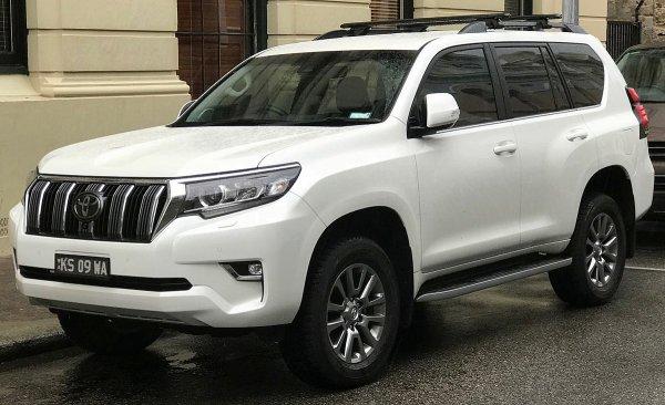 «Ограбление века»: Наглый угон Toyota Land Cruiser при владельце высмеяли в сети