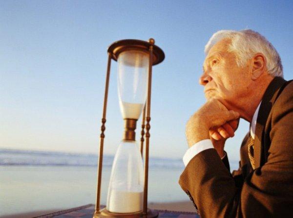 Продолжительность жизни в США снизилась третий год подряд - Исследователи