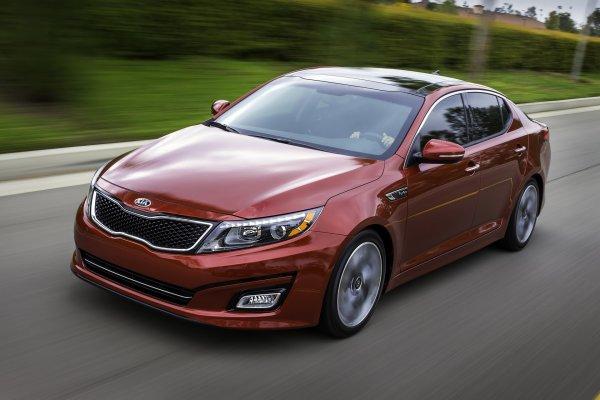 KIA Optima против Mazda 6: Динамику конкурентов сравнил блогер