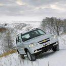Зимний тест-драйв: LADA XRay Cross и Chevrolet Niva сразились в езде по снегу