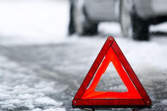 Ремонтировал автомобиль: в Югре мужчина погиб под колесами собственной машины