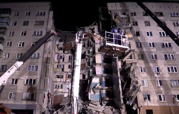 Число погибших в результате обрушения подъезда жилого дома возросло до 7 человек