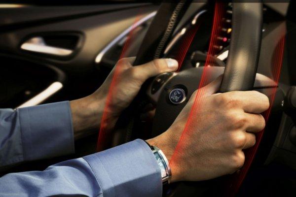 Советы автомобилистам: Эксперты рассказали, как бороться с вибрацией руля при езде