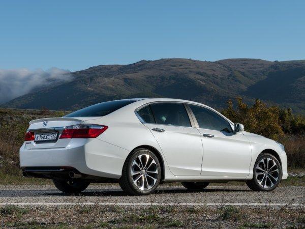 «Антикамри»: О неубиваемом Honda Accord восторженно рассказал блогер