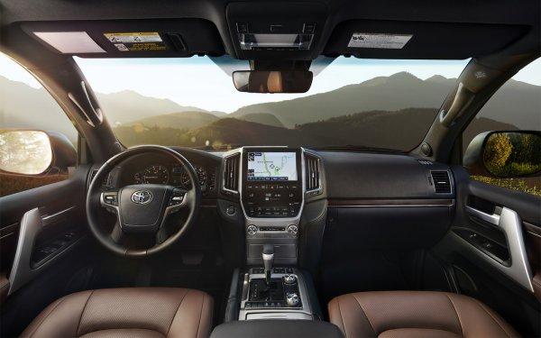 «Трёхлетний не хуже нового»: О состоянии Land Cruiser 200 с «вторички» рассказал эксперт