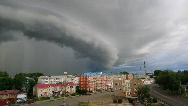 Загадочное зимнее явление в небе над Биробиджаном испугало местных жителей