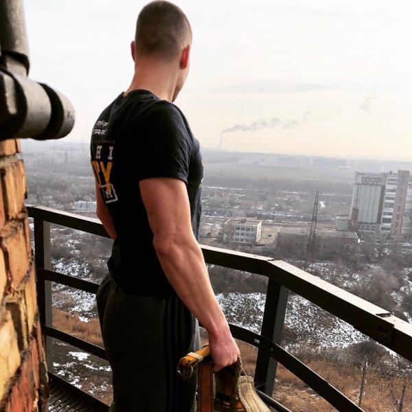 Ростовский каскадер Евгений Чеботарев вновь совершил опасный трюк
