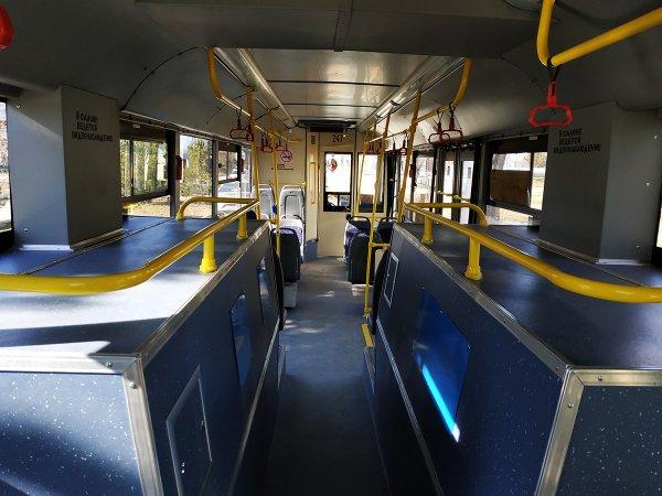 «Каждое утро как килька в банке»: Пассажиры новых троллейбусов в Махачкале остались без места в салоне