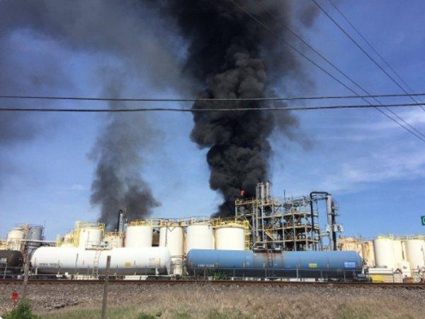 «Атака Нибиру на Зону 51 провалилась»: Сбитый над Техасом НЛО мог взорвать химический завод