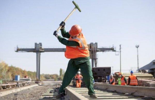 Работа в РЖД = рабство?: Сотрудники рассказали о тяготах работы на железной дороге