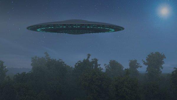 «НЛО заполонят Землю»: Пришельцы с Нибиру проведут высадку, прикрываясь полнолунием