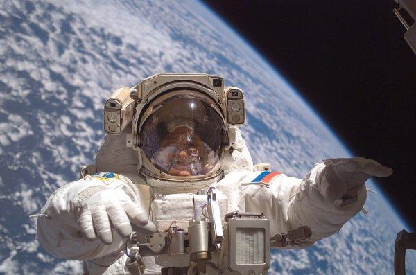 Российских космонавтов готовят к высадке на Марс и Луну