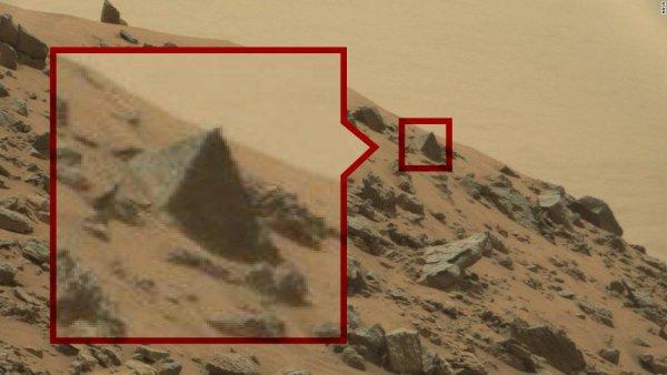 Раскрыта тайна пирамид! Под усыпальницей Хеопса найдена база пришельцев – эксперт