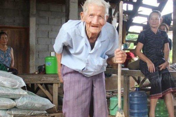 «Мой дедушка с Нибиру!»: 128-летний дед рассказал об отце-пришельце