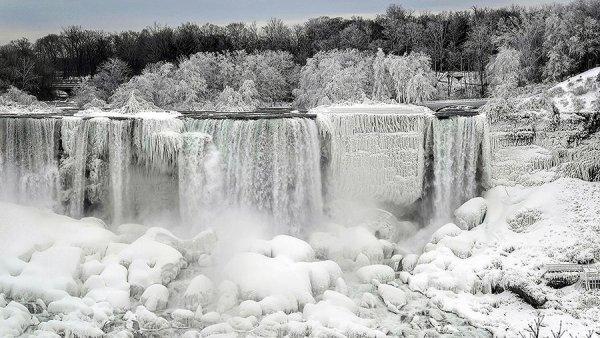 «Кирдык вашей Америке!» Чудовищный шторм покроет США двухметровым слоем снега