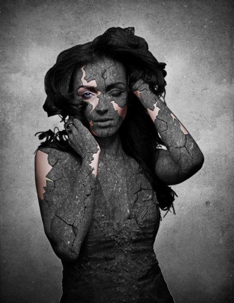 Каменная дева с Нибиру: В Армении нашли девушку, плачущую «алмазами»