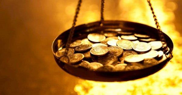 Много денег не бывает – линия на руке разбогатеть помогает. Хиромант назвал 5 знаков богатства на руке