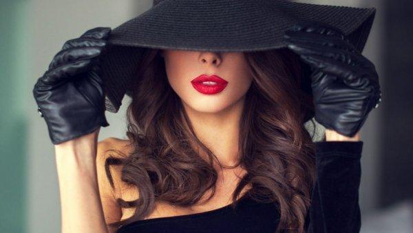 Леди так не делают: Эзотерик назвала действия, которыми девушка обесценивает себя в глазах мужчин