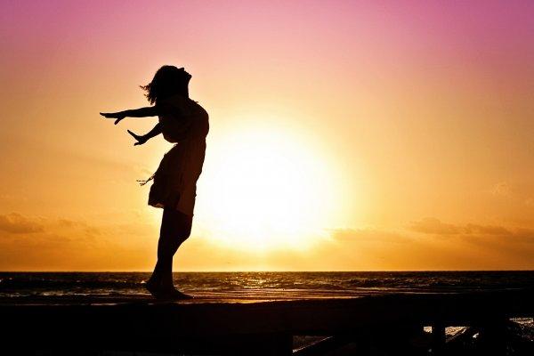 «Уходи и дверь закрой»: Какие знаки не переживают из-за расставаний — астролог