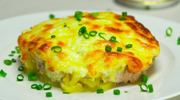 Мясо под шубой. Кулинарный блогер поделился рецептом заменителя Селедки под шубой