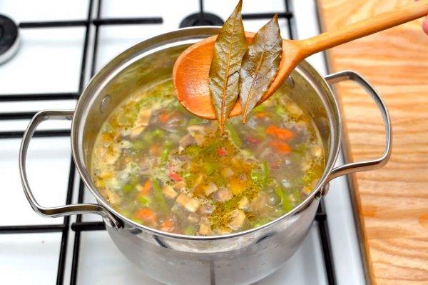 Повар назвал распространенную ошибку при приготовлении супов