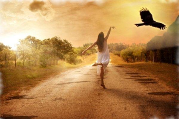 Не одиночка, а свободна: ТОП женщин-Зодиаков, которые счастливы без мужчин
