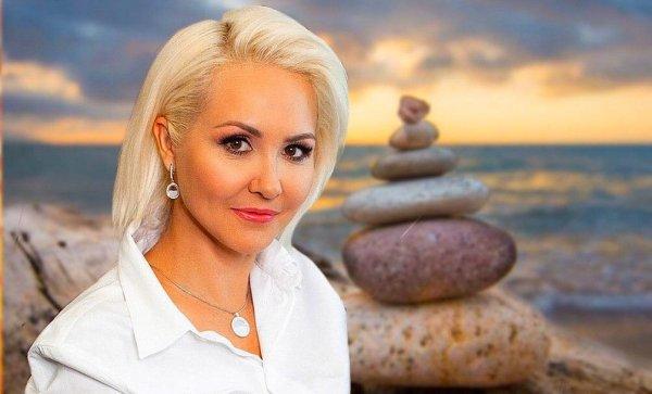 «Попробуйте отстраниться от забот»: Василиса Володина дала несколько советов на середину апреля