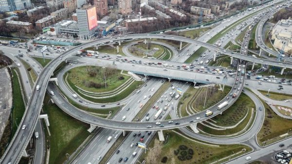 На развязке МКАД и Волоколамского шоссе построят помост