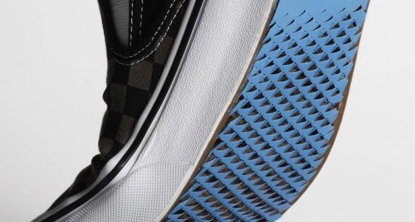 Создана обувь с подошвой, которая не скользит по льду