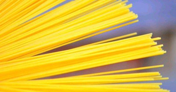 Ученые выяснили, почему спагетти ломаются на три части, а не на две